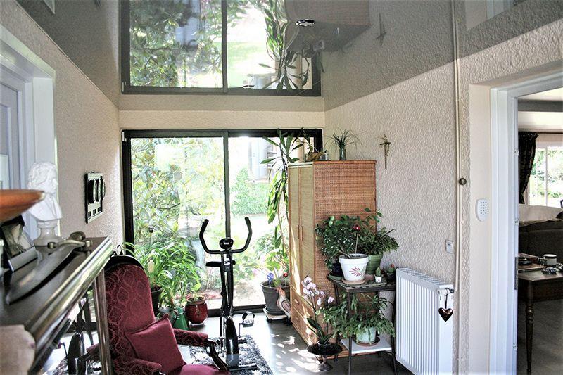 galerie plafond tendu chaud. Black Bedroom Furniture Sets. Home Design Ideas