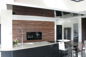 Cuisine plafond tendu laque noir